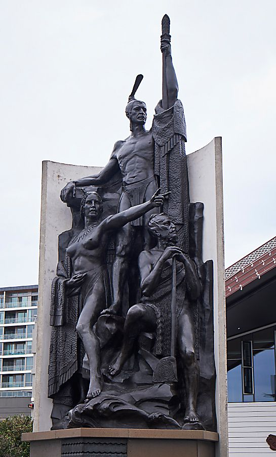 The statue of Kupe on the Wellington waterfront.