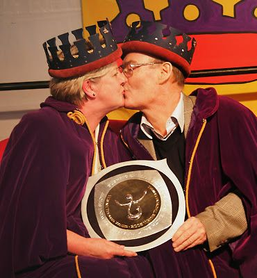 Wayne and Bev Thomas after being named the Bushing King and Queen in 2006. Photo by 'On the Coast'  © Victor Harbor Times.
