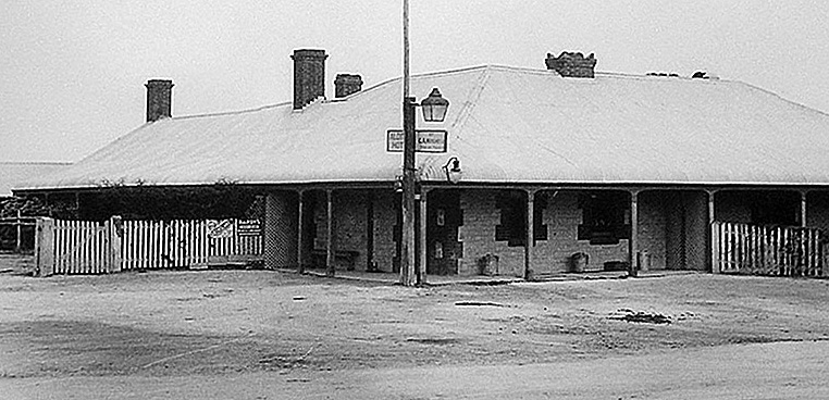 The old Aldinga Hotel. Photo © Aldinga Bay Residents Assoc.