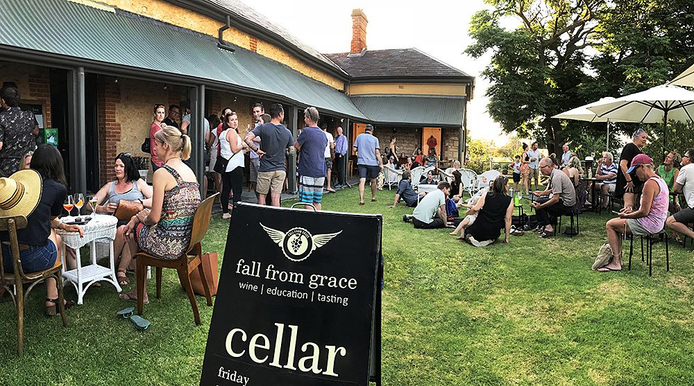 Friday night at 'fall from grace' : Photo © Milton Wordley